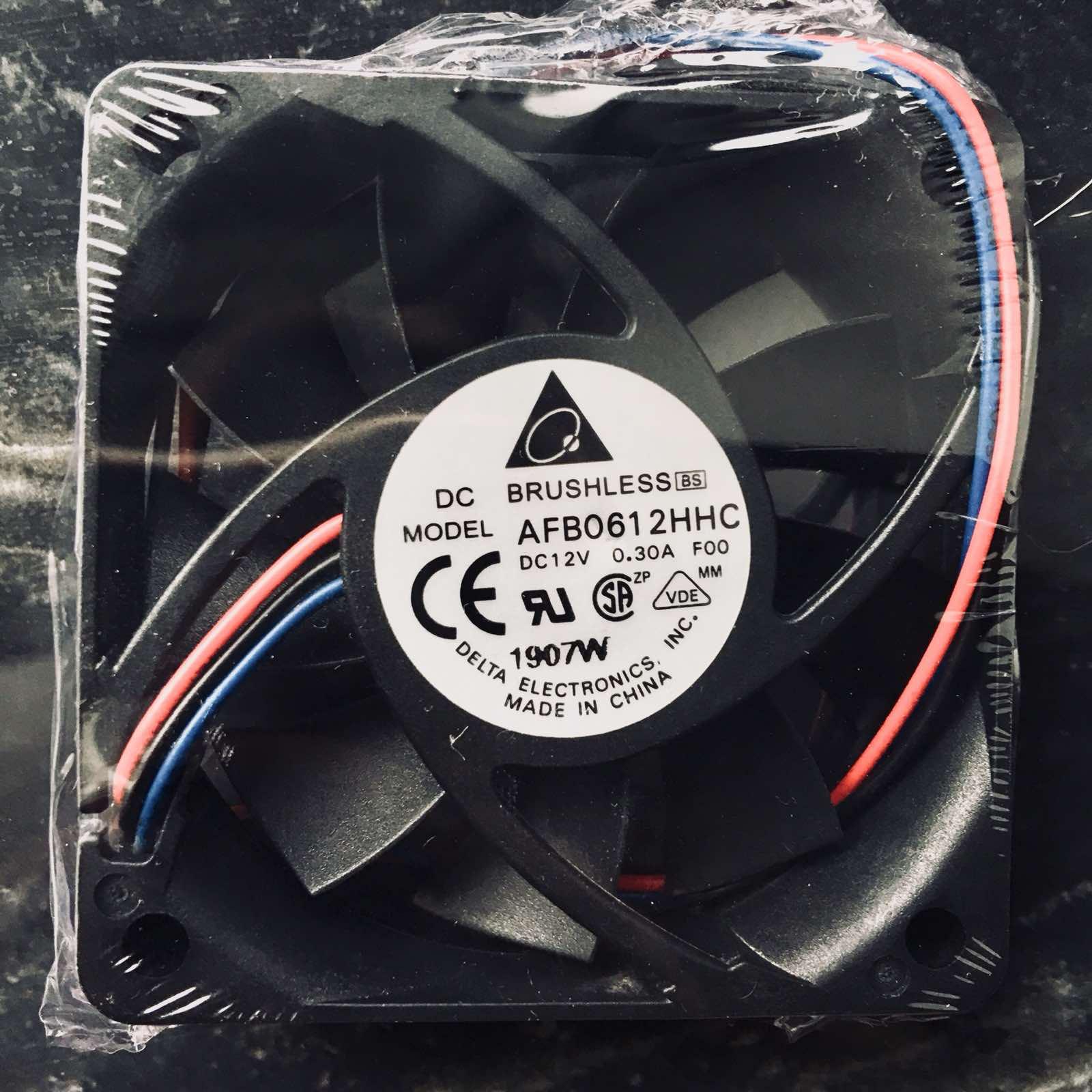 Вентилатор  60x60x15mm DELTA  AFBO612HHC